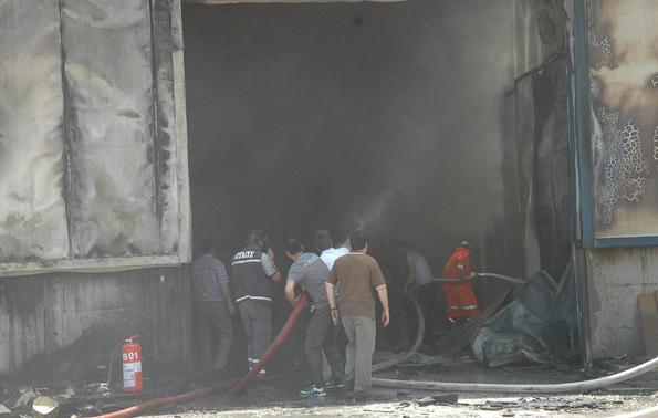 Konyada fabrika yangını 13