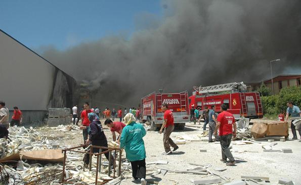 Konyada fabrika yangını 8