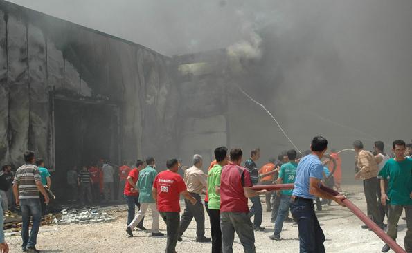 Konyada fabrika yangını 9