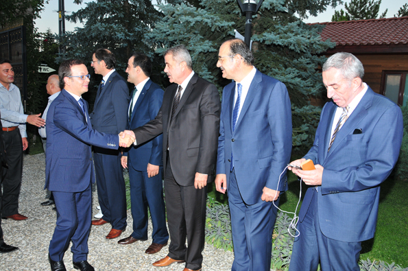 Konyalılar iftarda Ankarada buluştu 17