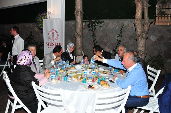 Konyalılar iftarda Ankarada buluştu 28
