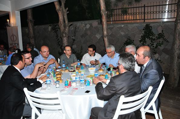 Konyalılar iftarda Ankarada buluştu 30