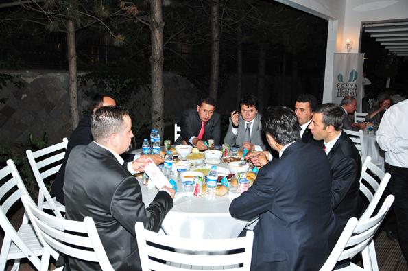 Konyalılar iftarda Ankarada buluştu 37