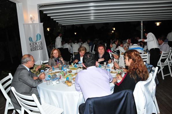 Konyalılar iftarda Ankarada buluştu 39