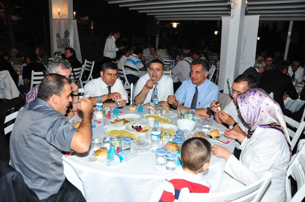 Konyalılar iftarda Ankarada buluştu 40