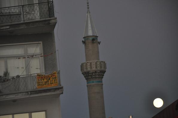 Kadı İzzeddin minaresinden dolunay 2