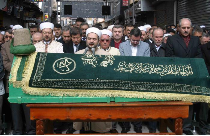 Tahir Büyükkörükçü Hocaefendi cenazesi 7