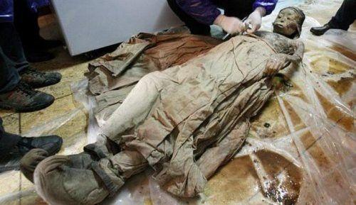 700 yıllık hanedan mumyası bulundu 1