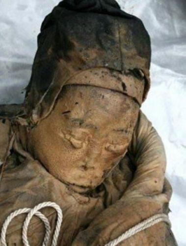 700 yıllık hanedan mumyası bulundu 3