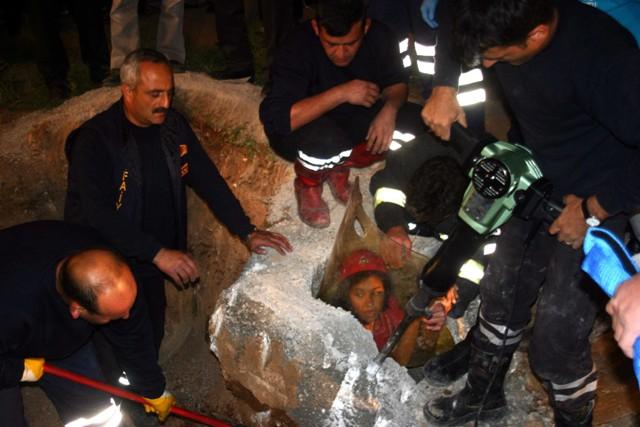 Direk çukuru genç kızı öldürüyordu 11