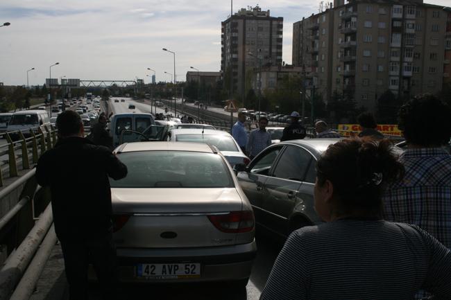 Kaza köprüsünde 10 araç birbirine girdi 10