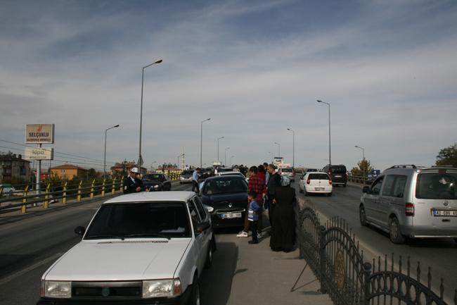 Kaza köprüsünde 10 araç birbirine girdi 14
