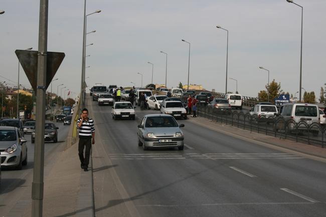 Kaza köprüsünde 10 araç birbirine girdi 6