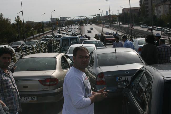 Kaza köprüsünde 10 araç birbirine girdi 9