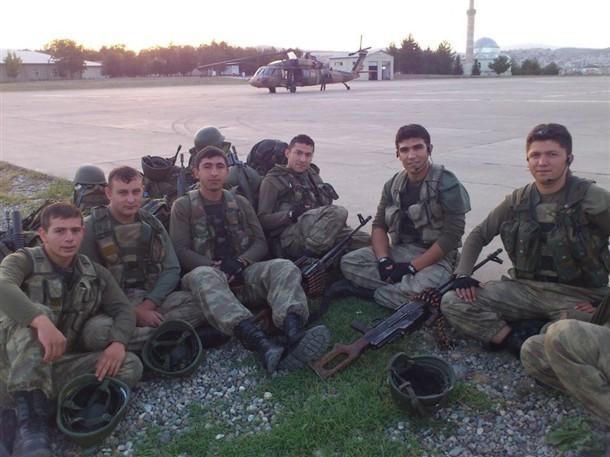17 şehit askerden geriye bu fotoğraflar kaldı 1