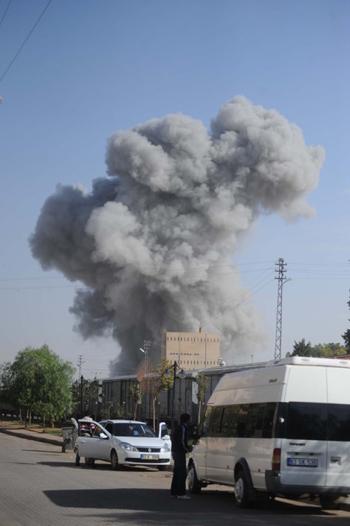 Sınırdaki patlamadan ilk görüntüler! 2