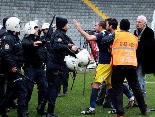Ankaragücü - Torku Konyaspor maçında olay 7