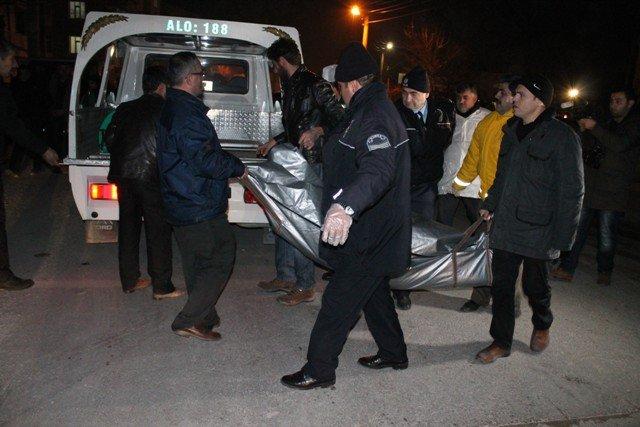 Konyada trafik kazası: 1 ölü, 1 yaralı 4