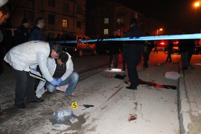 Konyada trafik kazası: 1 ölü, 1 yaralı 8
