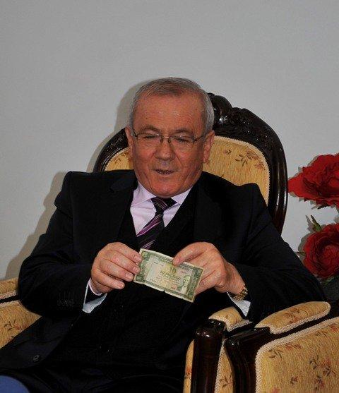 Dışişleri Bakanı Davutoğluna sürpriz 5