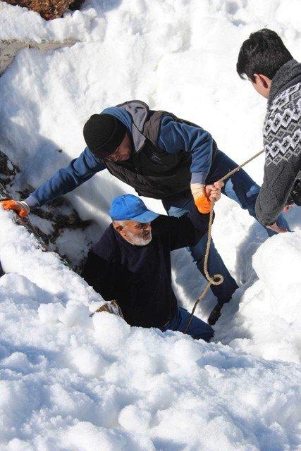 Kışın depolayıp yazın kar yiyorlar 4