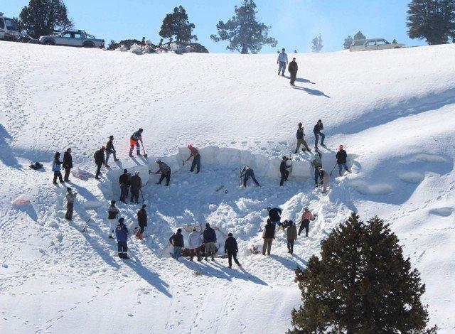 Kışın depolayıp yazın kar yiyorlar 7
