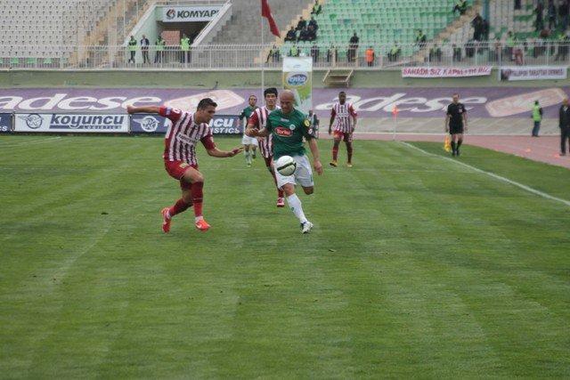 Konyaspor dört köşe! 1