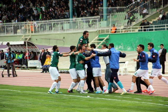 Konyaspor dört köşe! 14