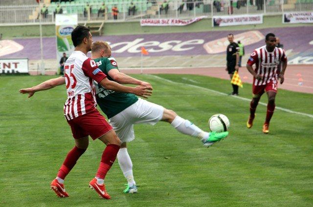 Konyaspor dört köşe! 15