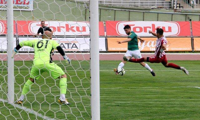 Konyaspor dört köşe! 16