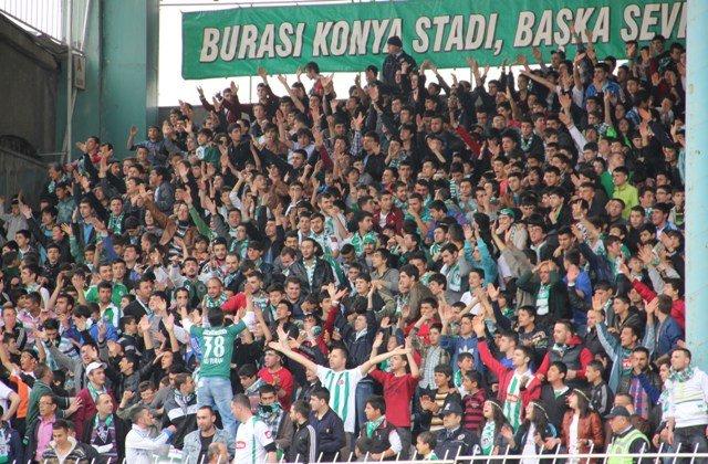Konyaspor dört köşe! 17