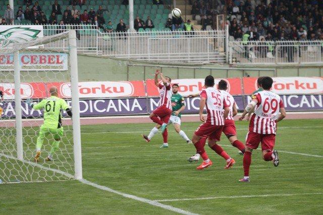 Konyaspor dört köşe! 3