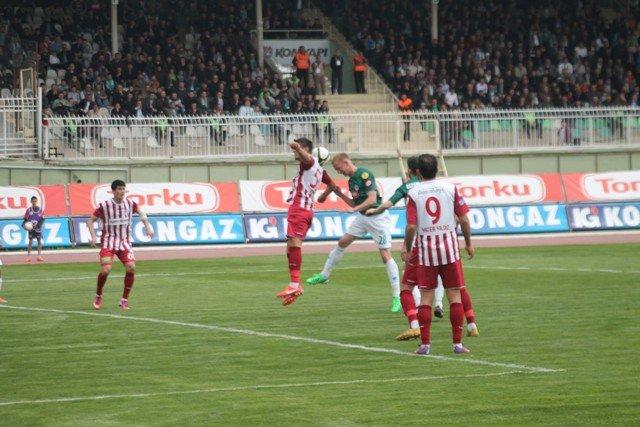 Konyaspor dört köşe! 4