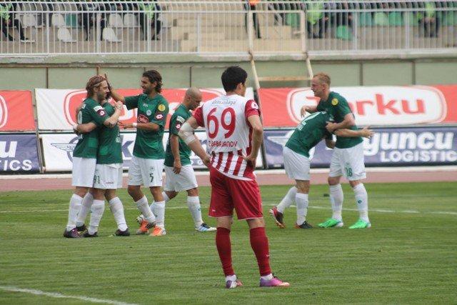 Konyaspor dört köşe! 6