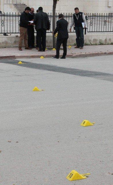 Dava çıkışı silahlı kavga: 4 yaralı 3