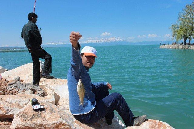Beyşehir Gölünde balık tutmak yetmiyor! 2