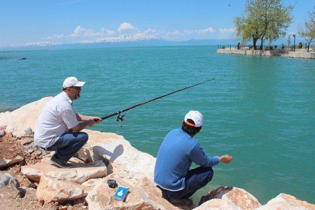 Beyşehir Gölünde balık tutmak yetmiyor! 7