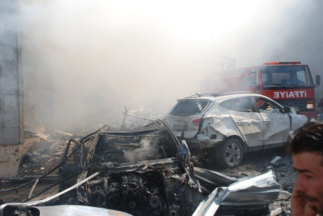 Reyhanlıda bomba yüklü araçla saldırı 1