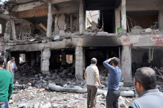 Reyhanlıda bomba yüklü araçla saldırı 12
