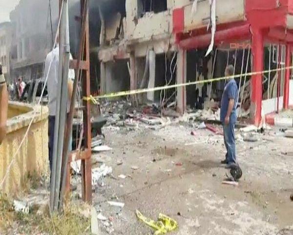 Reyhanlıda bomba yüklü araçla saldırı 14