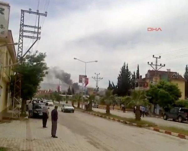 Reyhanlıda bomba yüklü araçla saldırı 15