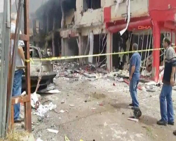 Reyhanlıda bomba yüklü araçla saldırı 6