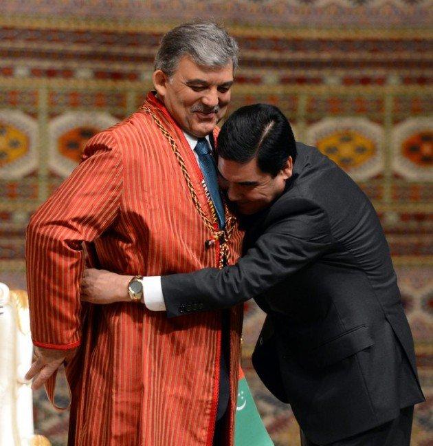 Güle Türkmenistanın en büyük devlet nişanı 10