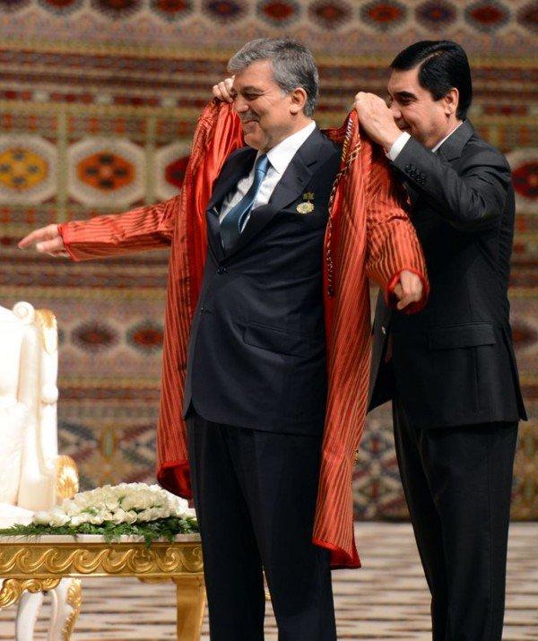 Güle Türkmenistanın en büyük devlet nişanı 9
