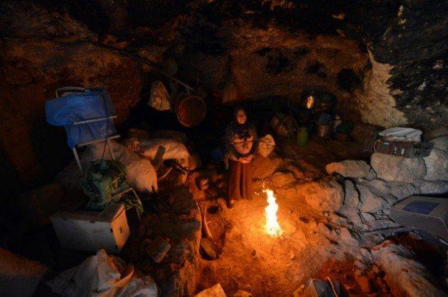 300 Yıldır mağarada yaşıyorlar 1