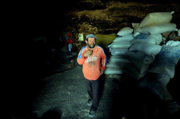 300 Yıldır mağarada yaşıyorlar 12