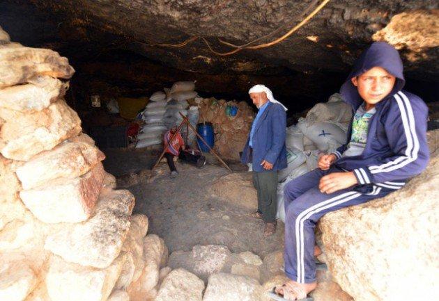 300 Yıldır mağarada yaşıyorlar 4