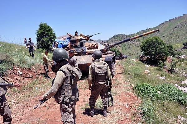 BDPliler askere kalkan oldu 5