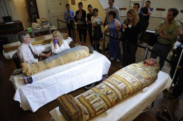 2500 yaşındaki mumya tabuttan çıktı 2