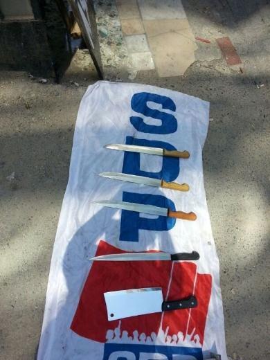 SDP binası baskınında ele geçirilenler 7
